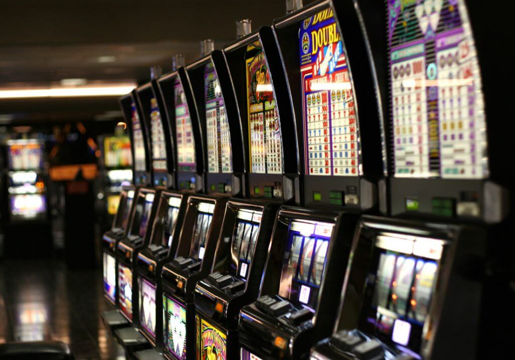 Is there a way to win on the slot machines bahamas casino resorts